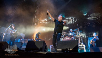 JIMMY BARNES8